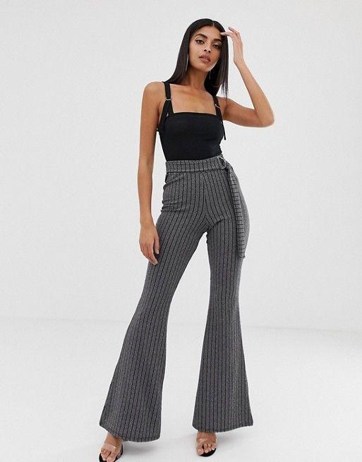 Pantalones De Campana Con Diseno De Rayas Finas De Prettylittlething Ropa Pano Moda