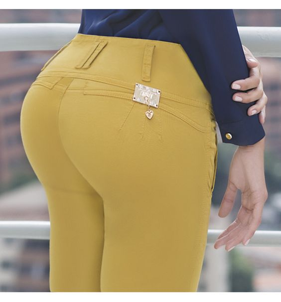 Dale color a la vida con  #jeanstyt. jeans levanta cola, jeans colombianos, push up