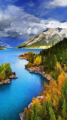 Abraham Lake - North Saskatchewan River - Western Alberta, Canada.: