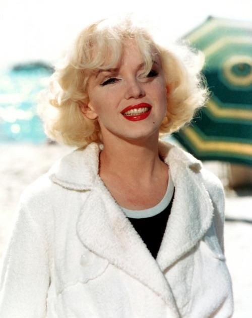 Marilyn on the set of Some Like It Hot. 1958...