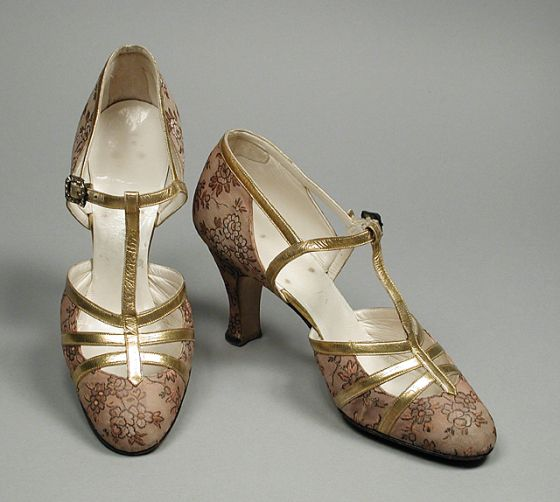 1932, America - Pair of Woman's Pumps by Delman - Silk, leather, kid leather