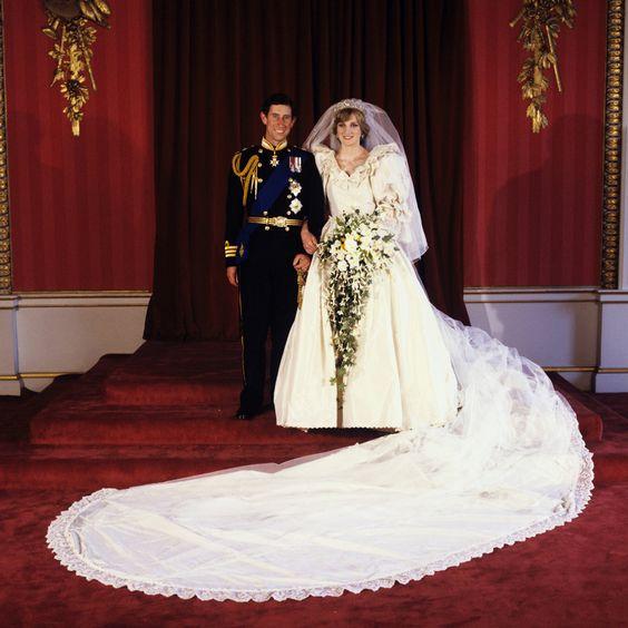Princess Diana's Wedding Dress Arrives In Edmonton For