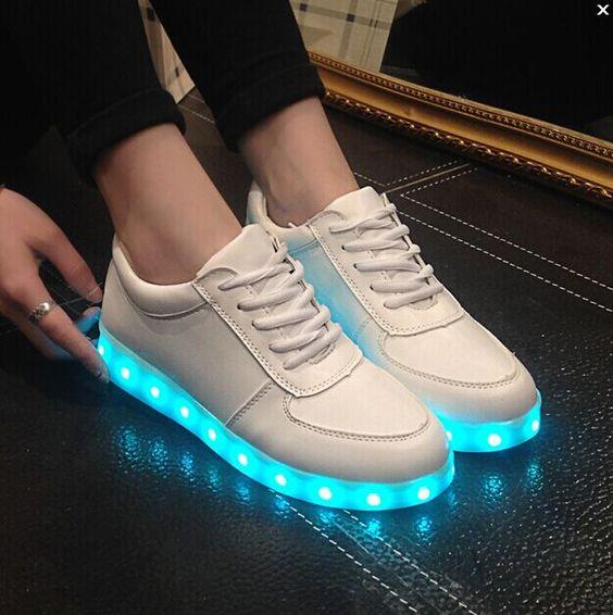 Barato Sapatos luminosos LED homens mulheres moda sapatilhas de carregamento USB…:
