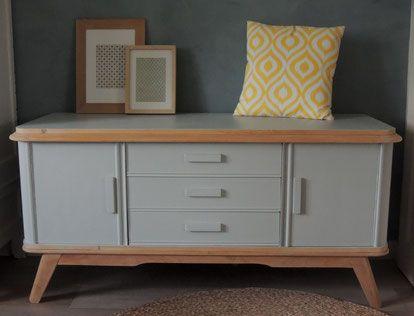 meuble r nov gustave look scandinave pour ce meuble bas peint en gris clair et aux lignes. Black Bedroom Furniture Sets. Home Design Ideas