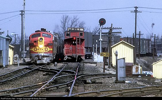 RailPictures.Net Photo: ATSF 339 Atchison, Topeka & Santa Fe (ATSF) EMD F7(A) at Joliet, Illinois by Marty Bernard