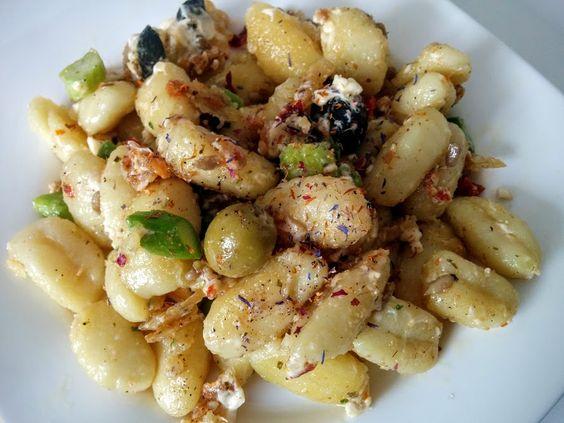 Gnocci mit Spargel, Oliven und Feta