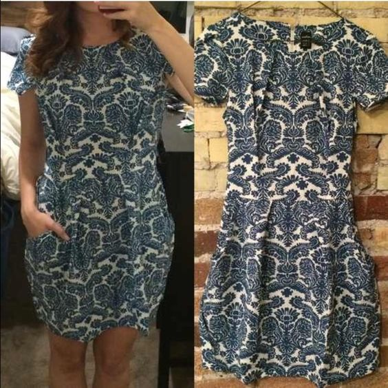 Boutique paisley dress NWOT , it's says size small but fits like a medium. .. It doesn't fit me Lover's leap boutique Dresses Midi