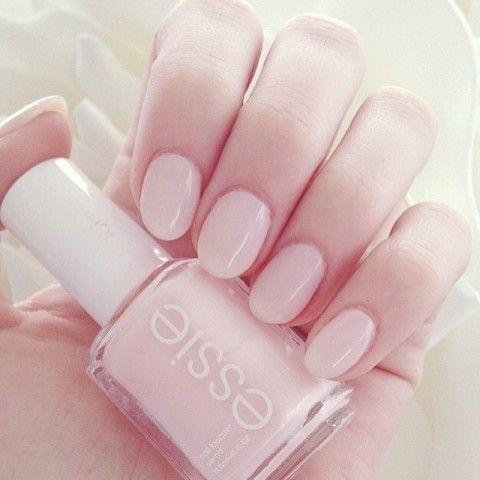 essie liebt sanfte nude farben mit rosé Stich im sich ankündigen Herbst - dazu passend unseren Shade of the Month ballet slippers! Mehr von uns findet ihr auf: instagram.com/essiedeutschland: