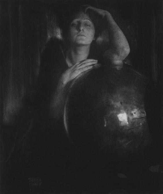 Edward Steichen: The Brass Bowl, 1904