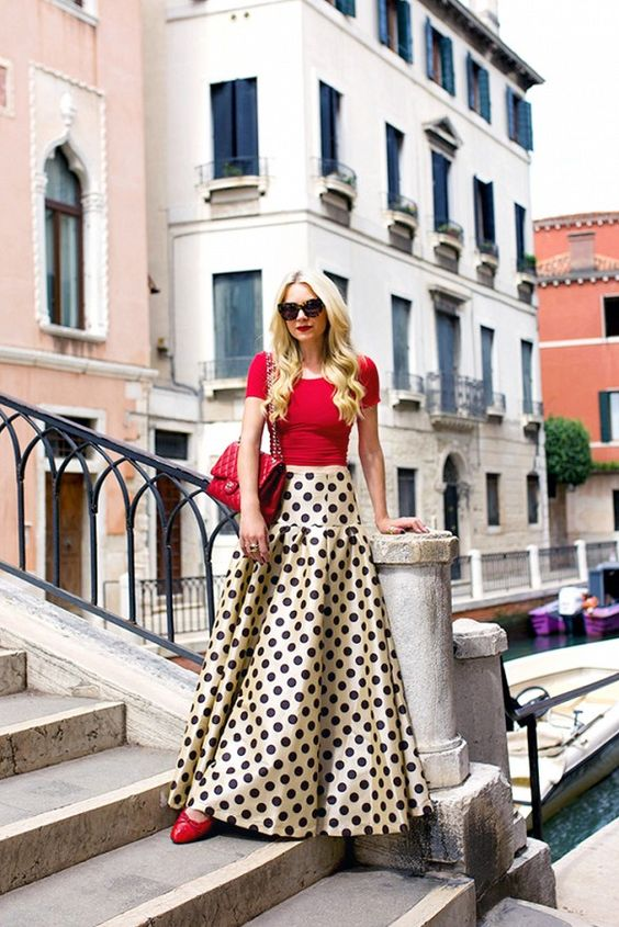 See the Colors of Venice Through the Eyes of an It Girl via @WhoWhatWear.  I love this outfit!!!