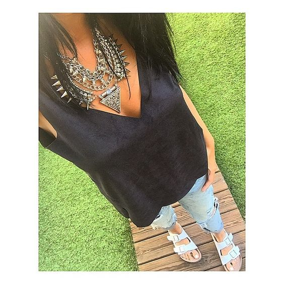 b i r k s & r i p s #ootd#instaphoto#ethnicnecklace#rippedjeans#comfyshoes#birkenstock#photooftheday#potd#june#friday#jeans#blacktop#zaratop#summerdays#outfit#blackhair#whitesandals#whitenails#bluejeans#26june#silvernecklace#girlfriendjeans#necklace#comfyoutfit#picoftheday