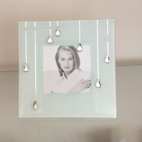 NWOT Tear Drop Picture Frame Gorgeous glass frame adorned with ...