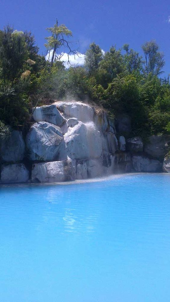 Wairakei terraces thermal pools of new zealand boarding for Pool design new zealand
