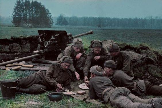 Red Army WW2 - anti tank crew, pin by Paolo Marzioli