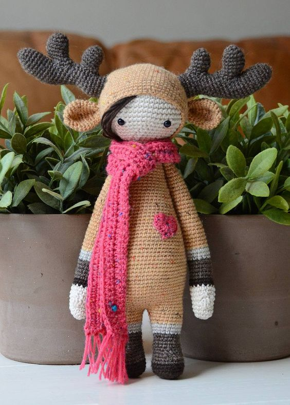 elk mod made by Kristel D. / based on a lalylala crochet pattern: