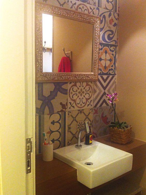 Banheiro / lavabo #apartamentospequenos #banheiro #decor #decoracao #interior #design #casa #home #house #detalhes #details #style #estilo #bathroom #pequeno #small #lavabo