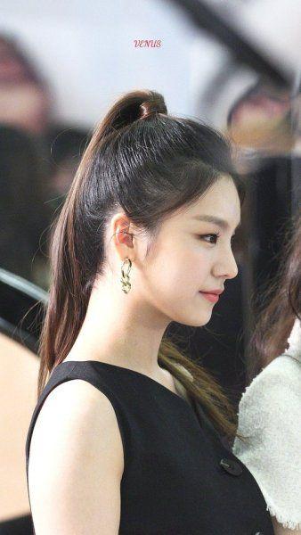 Nayeon Bias Wrecker Itzy Female Side Profile Kpop Girls
