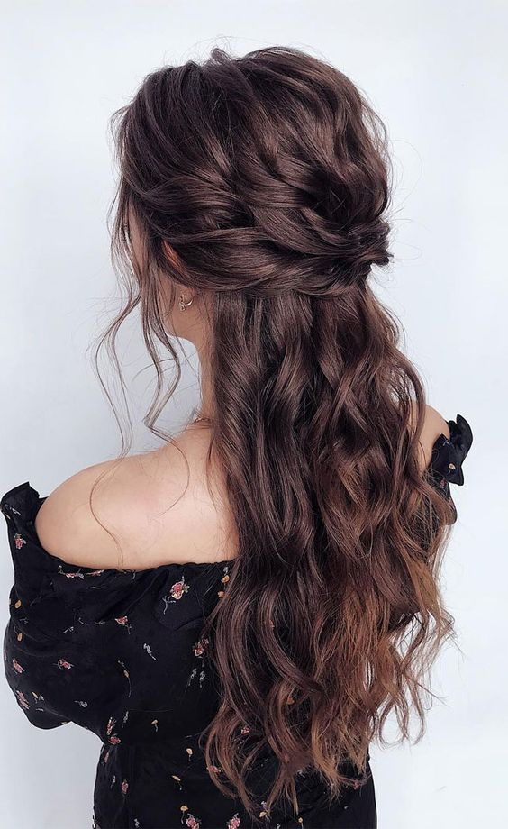 Gorgeous Half Up Half Down Hairstyle For Brides In 2020 Hair Styles Long Hair Styles Long Curly Hair