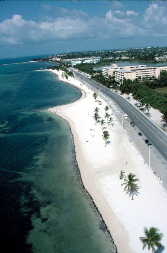 Hotels Close To Smathers Beach Key West