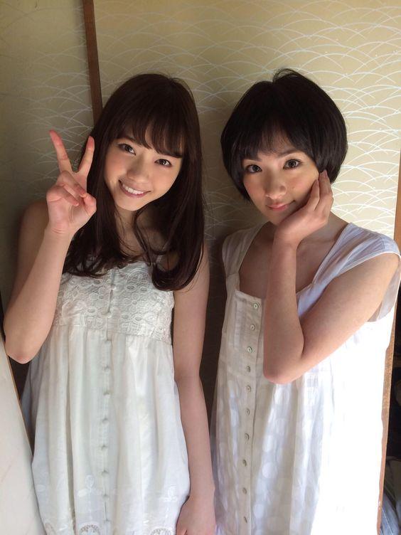 西野七瀬と生駒里奈
