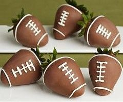 Good idea for an easy Super Bowl dessert!: Super Bowl, Chocolate Covered Strawberries, Football Strawberries, Football Chocolate, Party Idea, Strawberry Football, Football Season, Covered Football