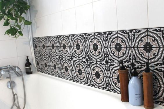 carreaux de ciment adhésifs salle de bain / Ciment tiles on the bathroom