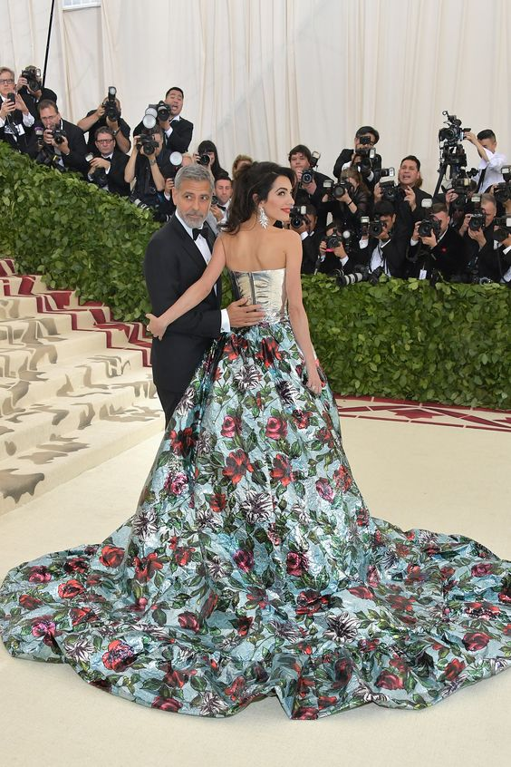 Gala Met 2018: todos los vestidos. Desde las anfitrionas Rihanna, Amal Clooney y Donatella Versace hasta Katy Perry: estas son las 'celebrities' que han acudido a la inauguración de la exposición en Nueva York. Y sus looks, claro © Getty Images