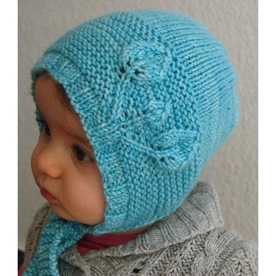 Petite Feuilles Bonnet from Lisa Chemery, a gorgeous bonnet fit for a royal prince or princess!  Loveknitting blog