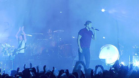 """Vor drei Jahren stürmten vier Jungs aus Las Vegas mit ihrem Indie-Rock-Sound die Charts, seitdem sind dank Hits wie On top of the world so gut wie alle Konzerte von den """"Imagine …"""