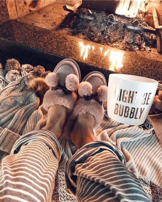 12 Alcoholic Hot Chocolate Recipes For A Lit Christmas
