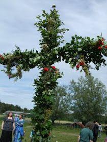 Acorn Pies: How to Make a Swedish Maypole