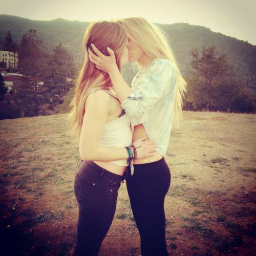 Cute girls lesbian