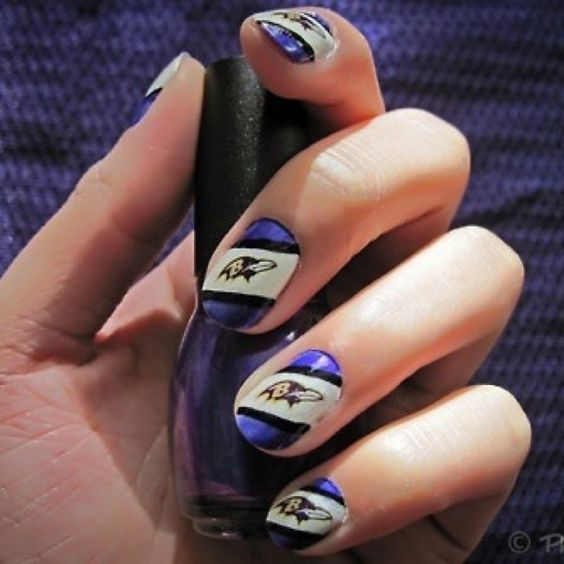 Baltimore Ravens themed nails... LOVE THIS!!