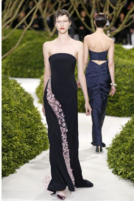 Raf Simons presenta su segunda colección de Alta Costura para Dior 2012 13