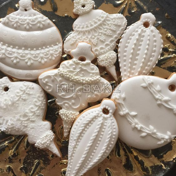 "White Christmas ornaments | easily achieved with white royal icing, white fondant & ( molded) imprssions to give texture to cookies..You can also use #edible"" paint, like imperial gold to maximize some details. Ilearned all this in "" Cookie Class"" 11/14, taught by a Food Network competitor..Leaned SO Much!! <3 Donna <3:"