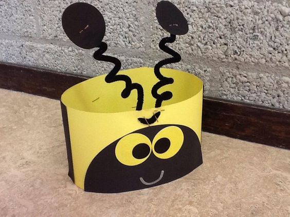 """""""Dit schooljaar geen lieveheersbeestje, maar een bijtje. #verjaardag #kleuters"""""""