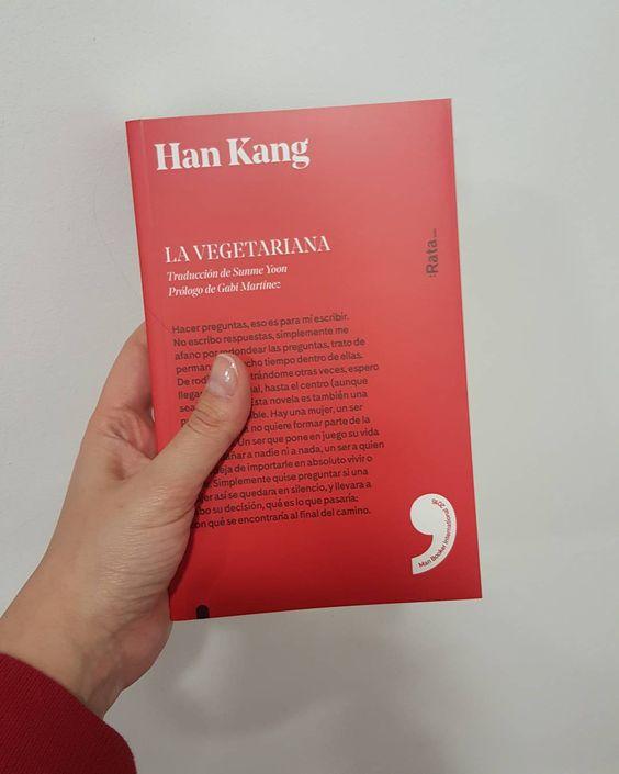 Cuando vas a juego con los libros.   Ahora en serio, le tengo unas ganas a este libro. Por el premio compartido con la traductora y por @volevofarelafotografa   #Books #readinglists #lectura #libro