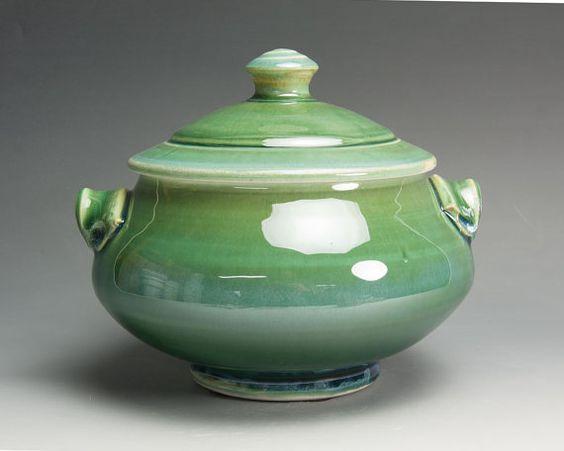 Handcrafted porcelain tureen or casserole serving dish 2 quart 1595 on Etsy, $70.00