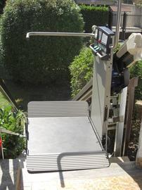 Montascale di garaventa lift x3 adatto per ambienti for Www garaventalift com