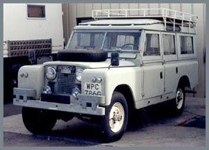 1967 Land Rover Series IIA 109 (5 Door Safari Wagon)