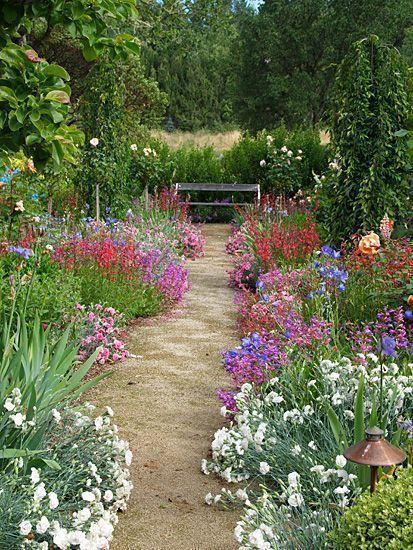 Pin By Judith On Beautiful Gardens In 2021 Country Garden Design English Garden Design Small Cottage Garden Ideas