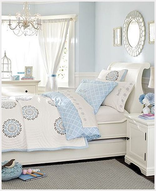 Beautiful blue bedrooms for girls. Or for a guest room or anything!! So light and clean!