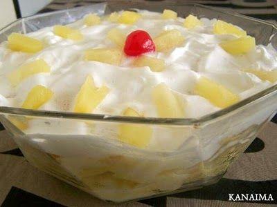 Torta fría de piña, crema pastelera y merengue