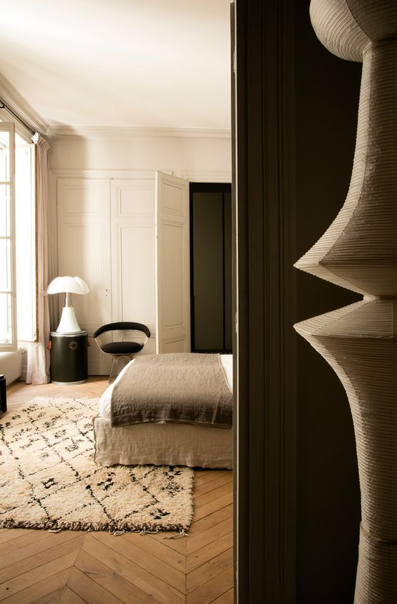 More interior inspiration on www.ringthebelle.com home / interieur / inspiration / lyon / Maison Hand / decoration / pipistrello / lampe / noguchi / #ringthebelle / #storystore / #maisonhand