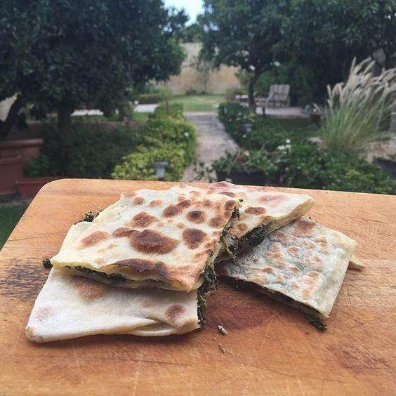 Feta and spinach stuffed flatbreads 😋😋 #lowfodmap #Fodmap #fodmaps…