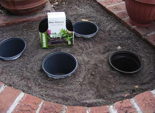 19 zero dollar garden hacks gardens gadgets and for Garden design hacks