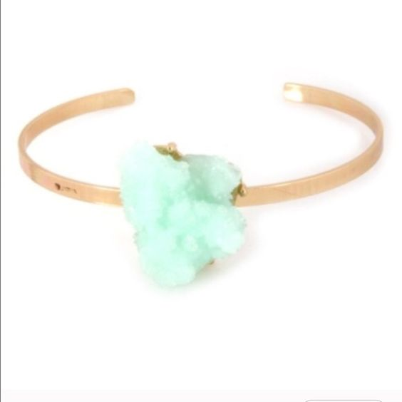 ⚡️LAST ONE! Mint druzy cuff Gold tone cuff with unique mint druzy embellishment Jewelry Bracelets