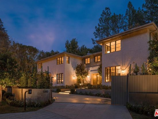 1580 Stone Canyon Rd Los Angeles Ca 90077 Mls 20 545702 Zillow In 2020 Modern Traditional Los Angeles Homes Exterior Stone