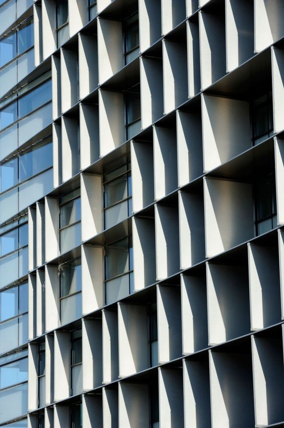 Edificio de Oficinas CMA-CGM / Nabil Gholam Architects