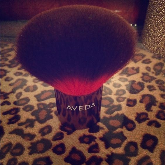 Aveda Uruku Bronzer Brush Large aveda bronzer brush. Super soft! Used only once. Perfect condition! Aveda Makeup Brushes & Tools